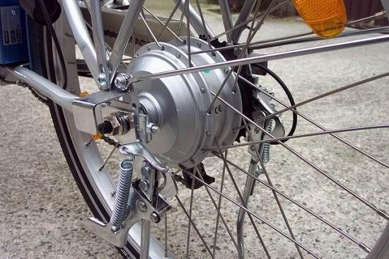 Bici elettrica, particolare della ruota