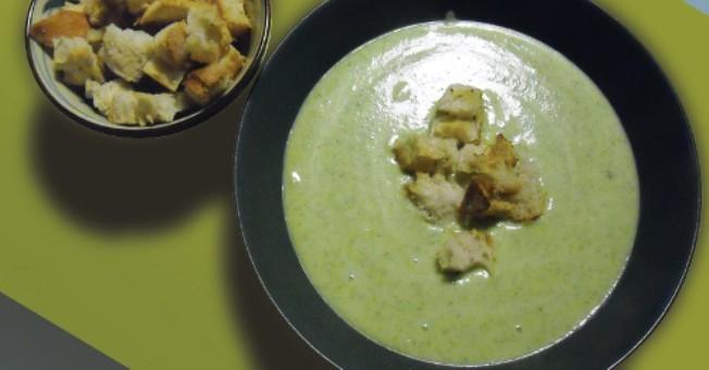 Zuppe e vellutate rappresentano la soluzione ideale per una cucina sana e  nutriente. In inverno, quando calano le temperature e la neve fiocca dal  cielo,