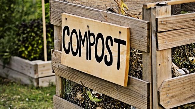 Compostiera fai da te come costruirla greenstyle for Costruire compostiera