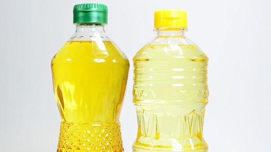 Olio di palma in bottiglia