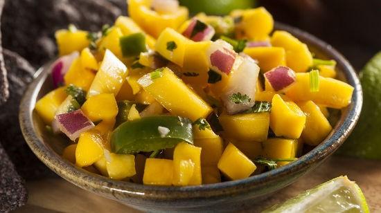 Fresh Homemade Mango Salsa with Corn Chips