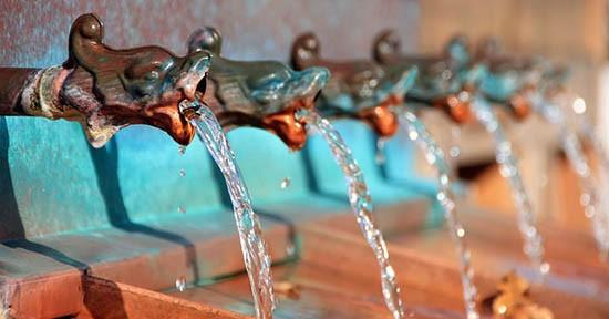 Acqua di fontana