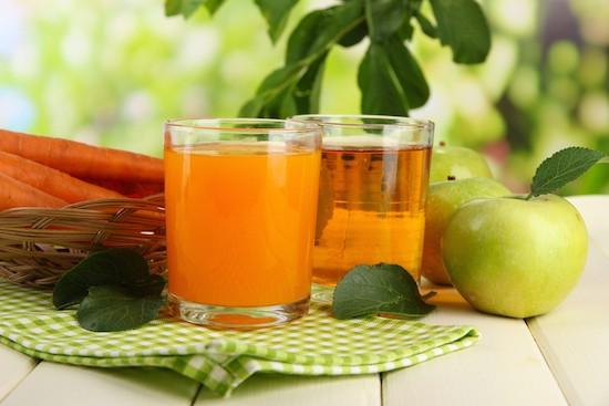 Succo di mela e carote