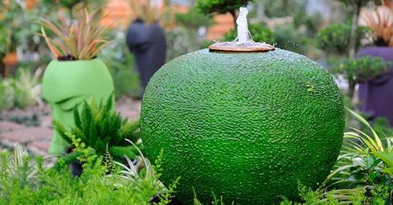 Fontana da giardino con materiali di riciclo - GreenStyle