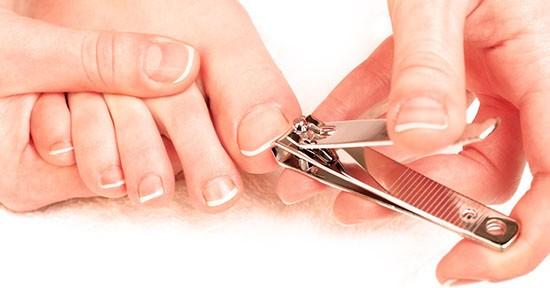 Taglio delle unghie dei piedi