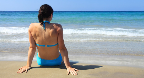 In estate prender il sole favorisce la produzione di vitamina D