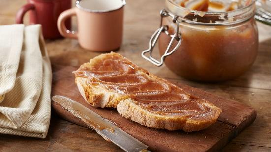 Crema di castagne su pane
