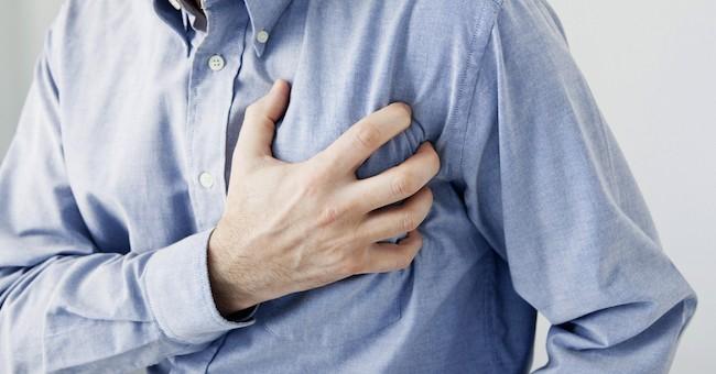 Uomo durante un infarto