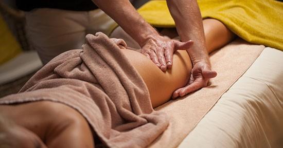 Massaggio contro la cellulite
