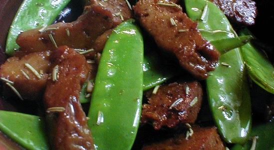 Rosemary Seitan with Snow Peas