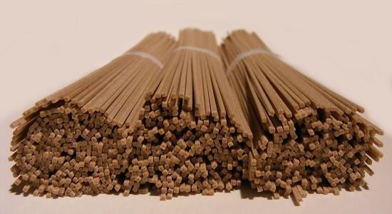 Dried soba noodles by FotoosVanRobin