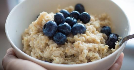 Porridge ai mirtilli