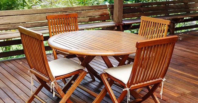 Tavoli Da Giardino Risparmio Casa : Pulire i mobili da giardino: rimedi fai da te greenstyle