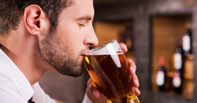 Alcolismo Oleg Efremov - Se è possibile smettere di bere un utero di foresta del pino