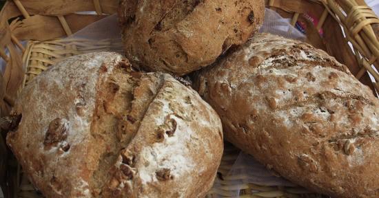 Il pane di segale può essere realizzato anche con farina integrale.