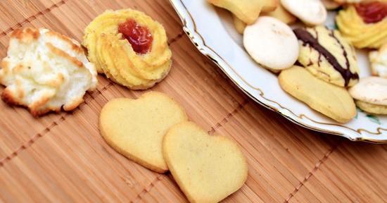 La past di mandorle è impiegata per la realizzazione di pasticcini, dolci e biscotti