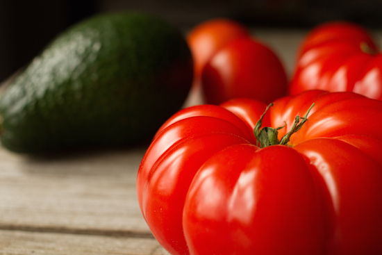 Pomodori e avocado