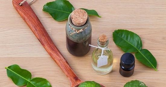 Le noci di macadamia possono essere impiegati per realizzare un olio utile per la cosmesi