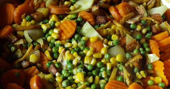 I piselli possono essere impiegati per la preparazione di gustosi piatti unici, in associazione ai cereali.