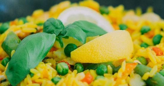 I piselli possono essere impiegati per la preparazione di gustosi piatti unici