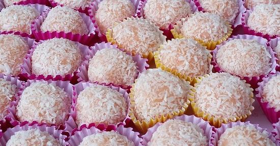 Il cocco, oltre che fresco, può essere impiegato per la preparazione di dolci.