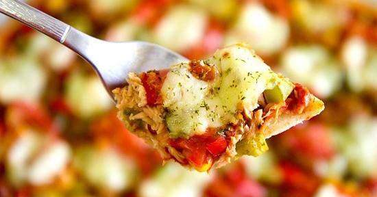 Le calorie contenute in una pizza dipendono dal suo condimento.