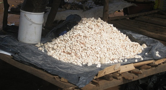 Chimoio market - baobab fruit pulp