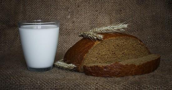 Latte e pane