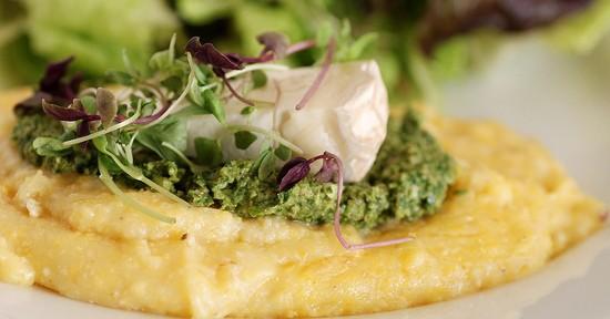 Polenta pesto e formaggio