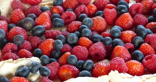 Dolce ai frutti di bosco