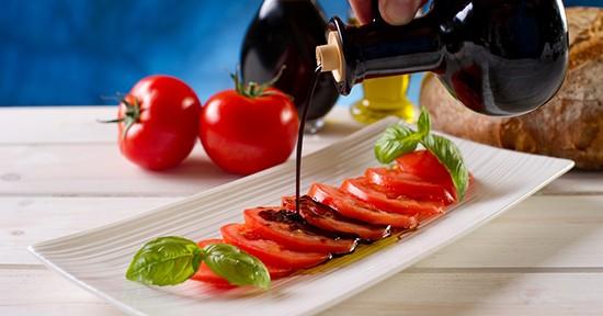 Pomodori e aceto balsamico