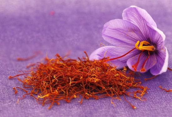 Zafferano, stimmi e fiori