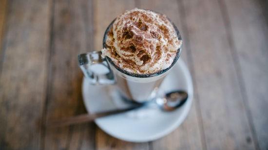 Consigli per la preparazione di una tazza fumante di cioccolata calda