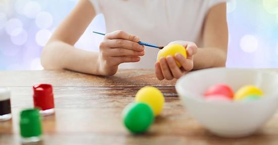 Dipingere uova