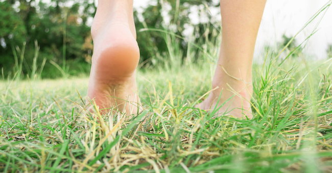 Barefoot, camminare a piedi nudi