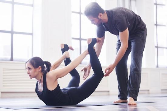 Yoga, posizione dell'arco