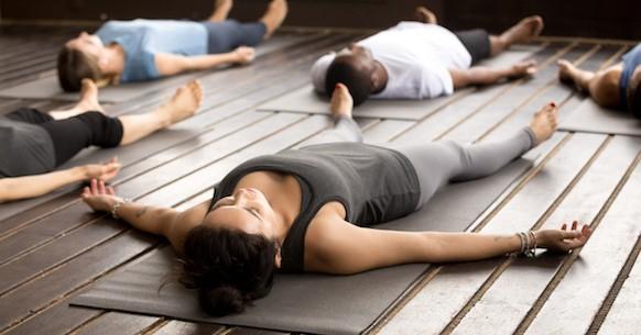 Yoga, posizione Savasana