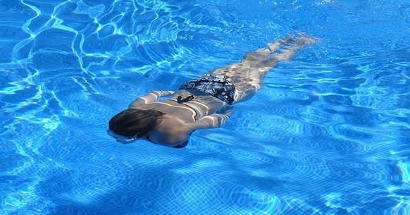 Nuoto in acqua