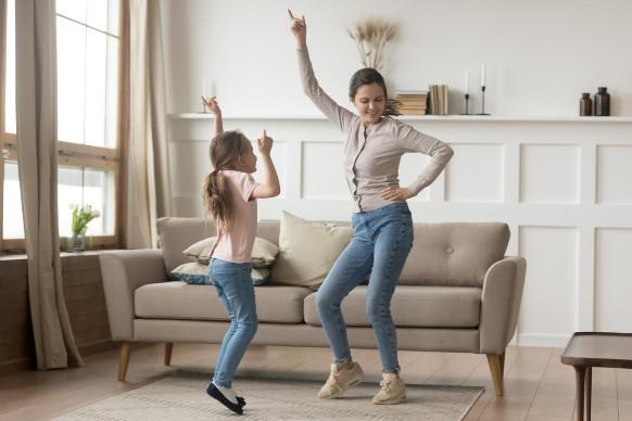 Coronavirus: 5 balli da fare in casa