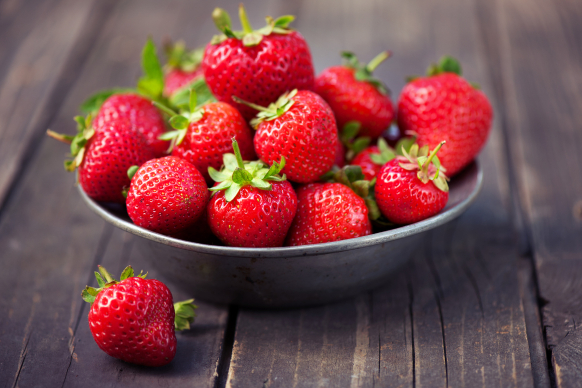 La spesa di maggio: fragole e cicoria