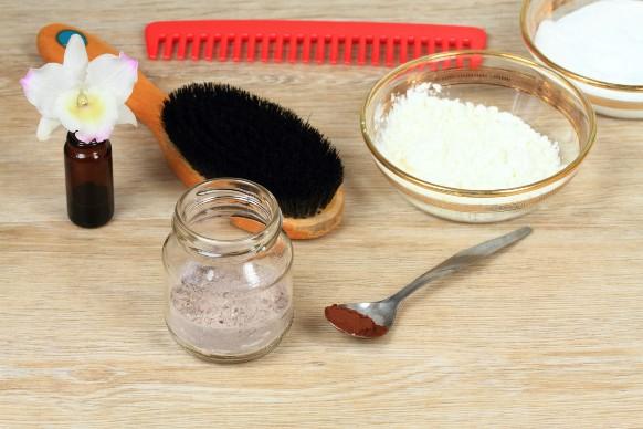 Shampoo secco fai da te: come prepararlo?
