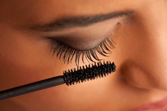 Mascara sopracciglia fai da te: come prepararlo in casa