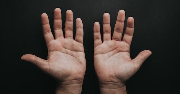 Mani aperte dita