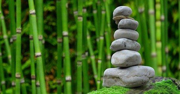 Meditazione Zen pietre