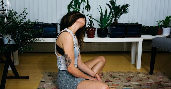 Mindfulness ragazza casa