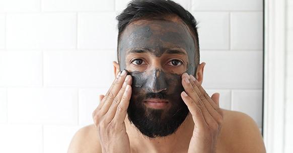 Uomo e maschera