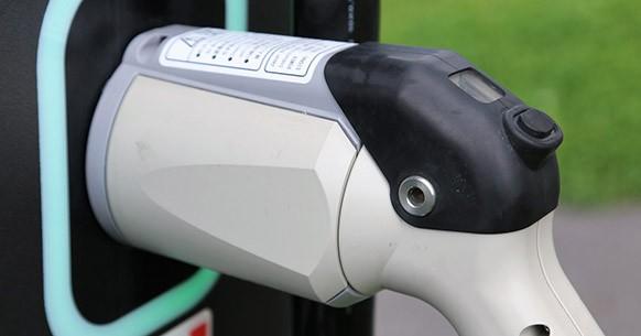 Connettore auto elettriche