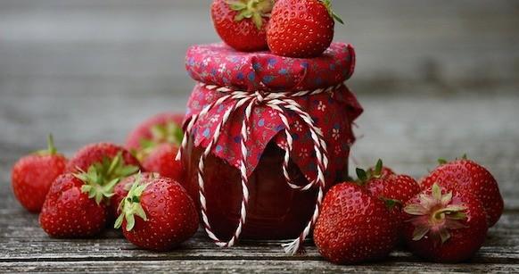 Confettura o marmellata di fragole