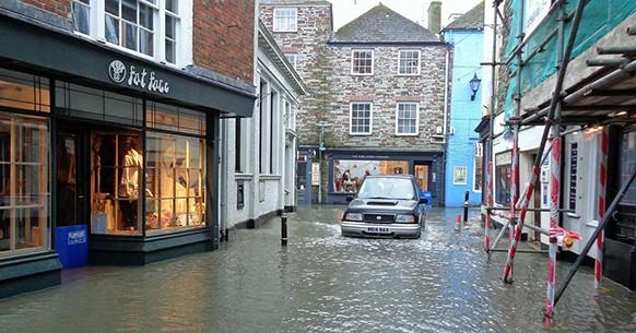 Alluvioni in auto