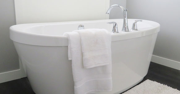 pulire casa bagno